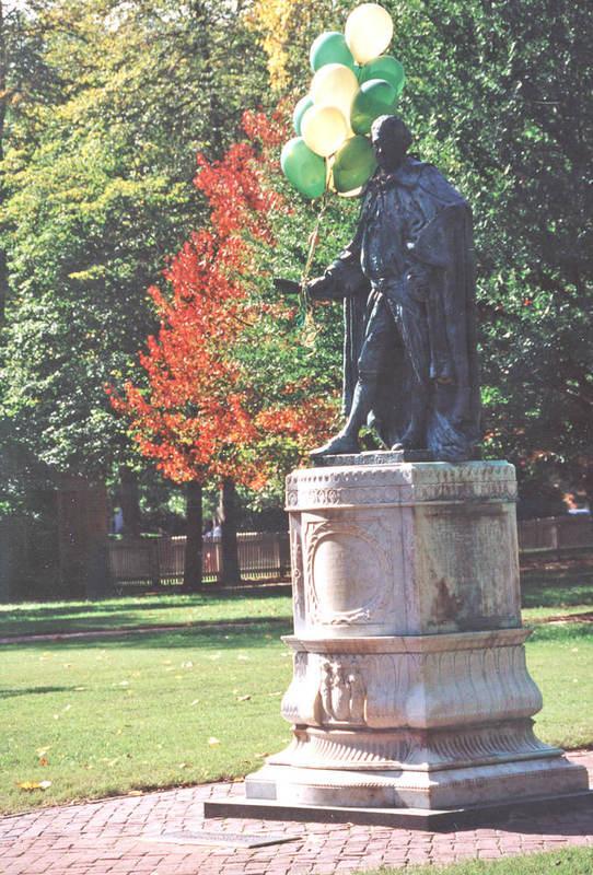 Lord Botetourt Statue, Homecoming 2002