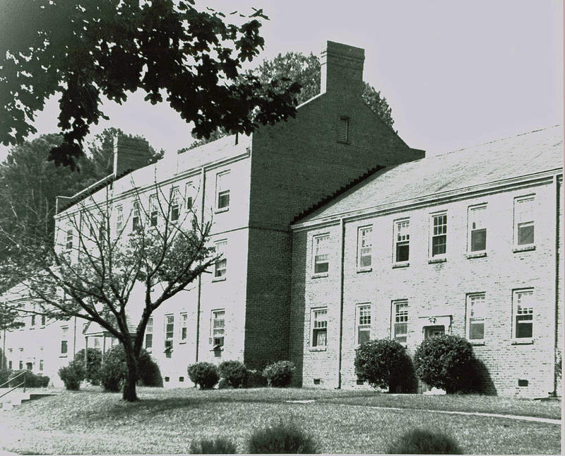 Ludwell Apartments, 1989