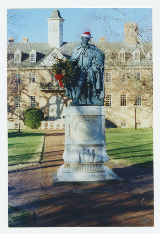 Lord Botetourt statue, Christmas 1999