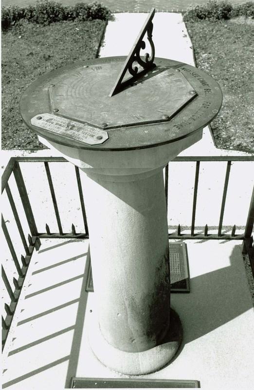 Sundial, Undated